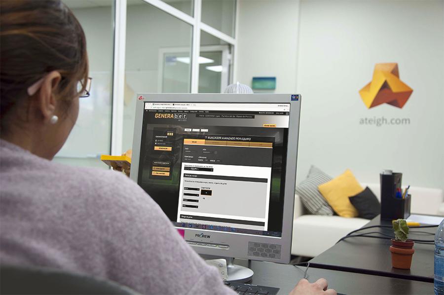 Cristina trabajando en la web de GENERAbet